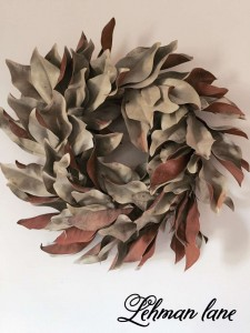 How to Make a Dried Magnolia Wreath