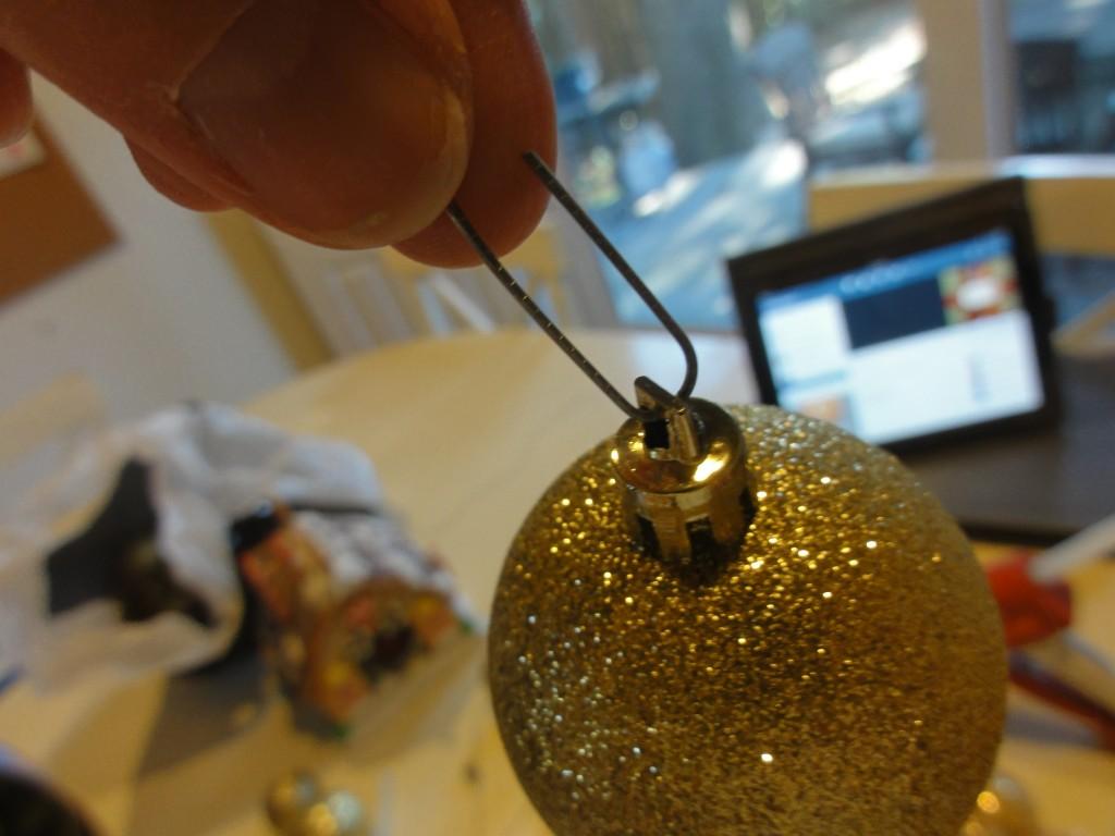 how to make christmas ball wreath