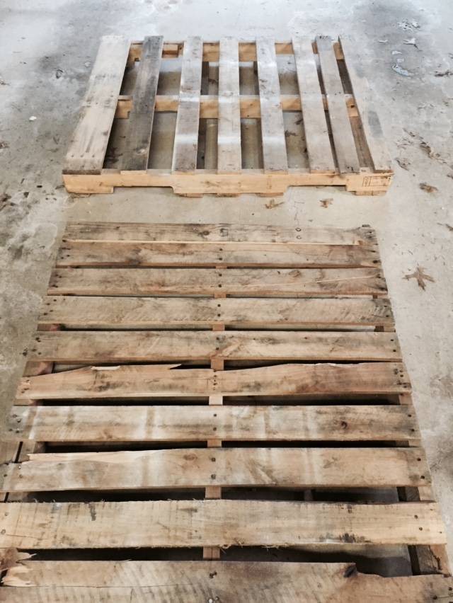 Diy Pallet Sliding Barn Door Lehman Lane