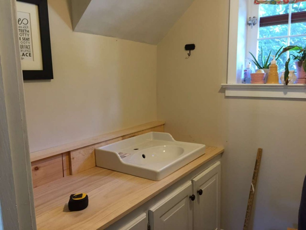 Powder Room - DIY - Wood Counter Tops