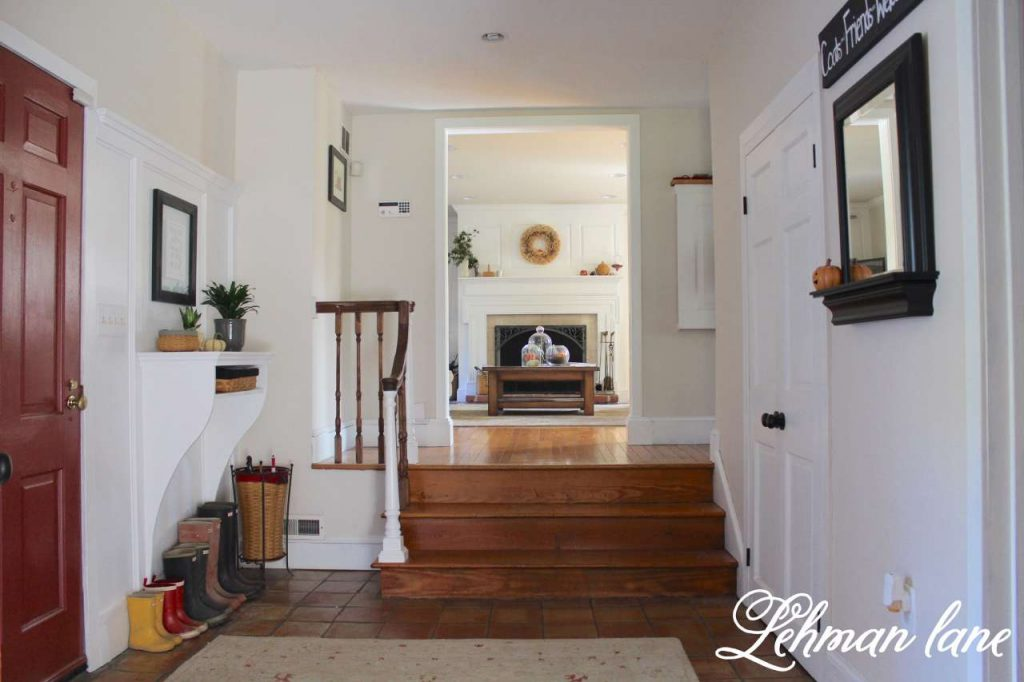 Foyer / Entryway Table / fall home tour / hunter boots