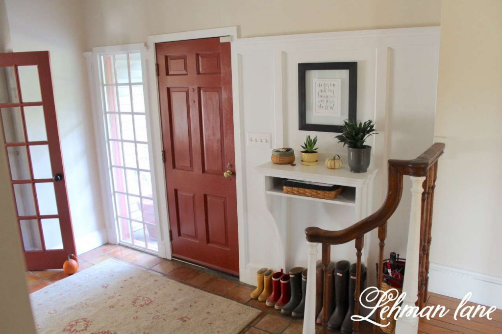 Foyer / Entryway Built in Table