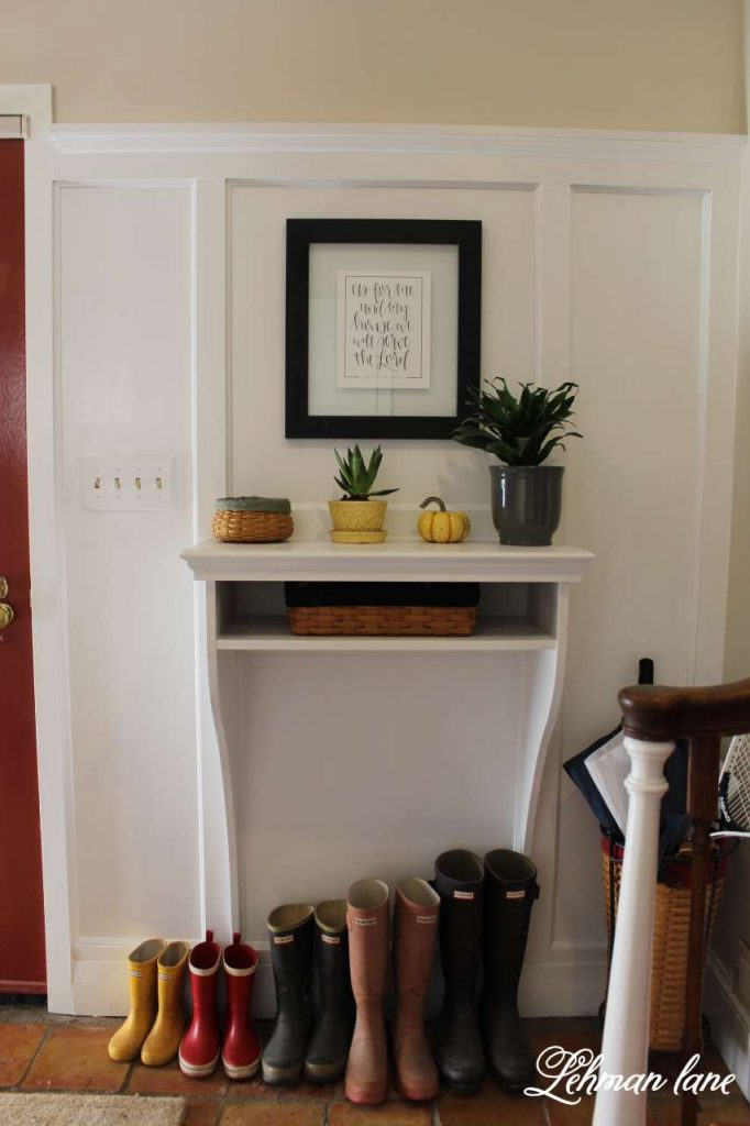 DIY Foyer/ Entrway Table / 8 ways to decorate for fall on a budget / entryway table/ hunter boots/ pumpkin