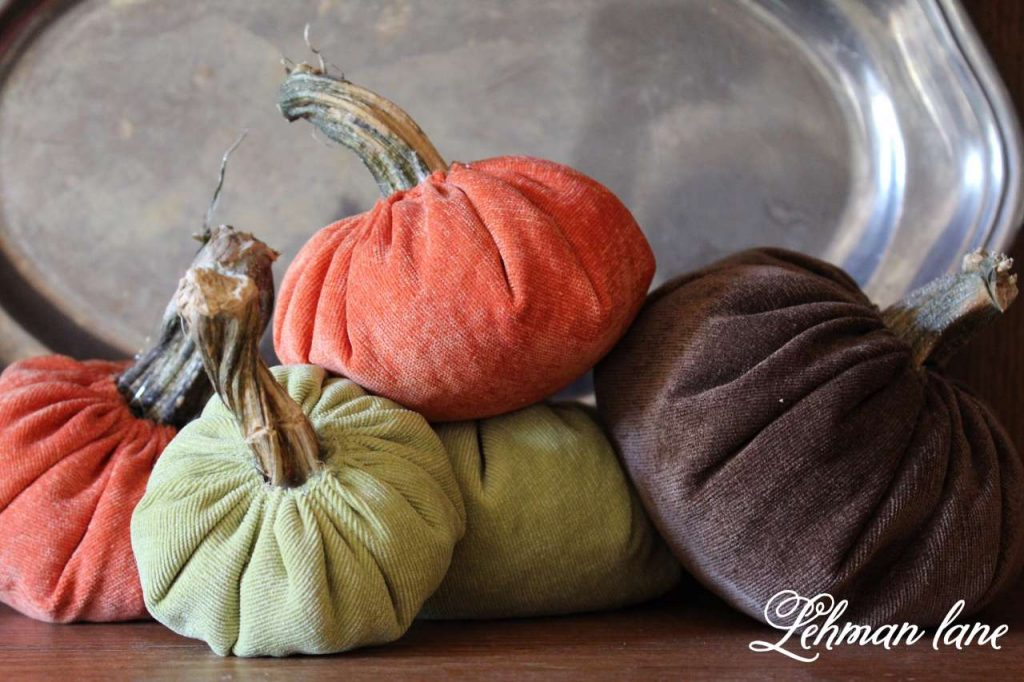 8 tips to beautifully decorate your home for fall / pumpkins
