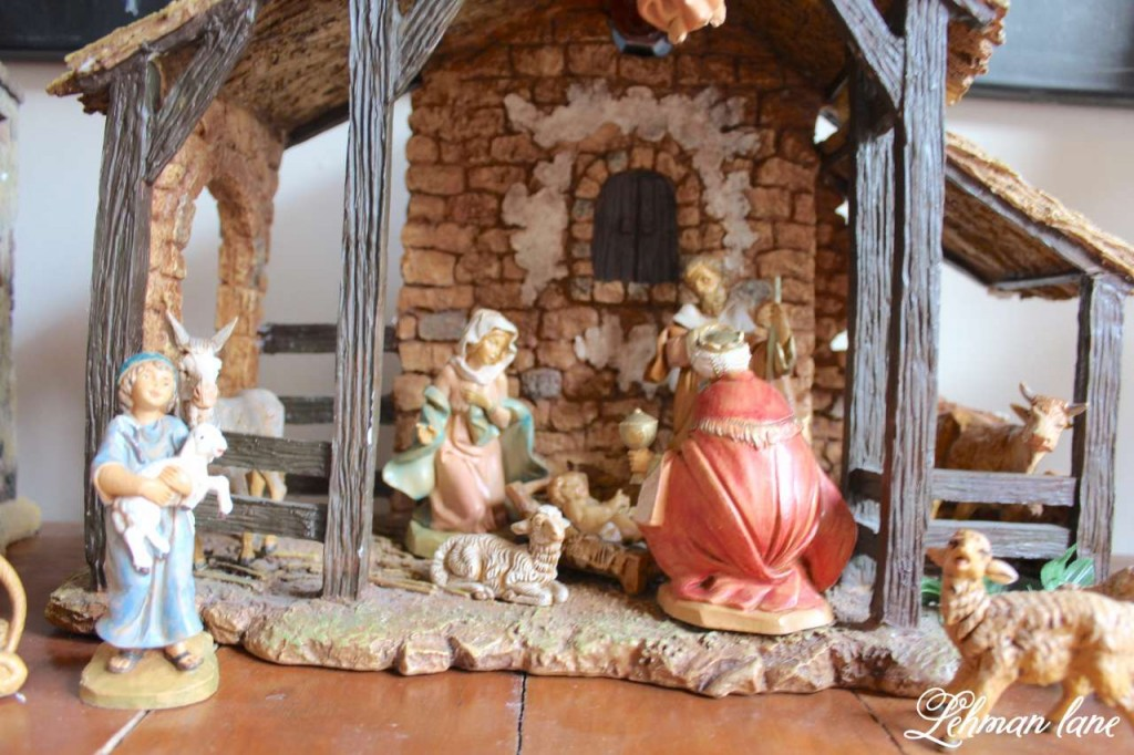 Christmas Home Tour 2015 nativity