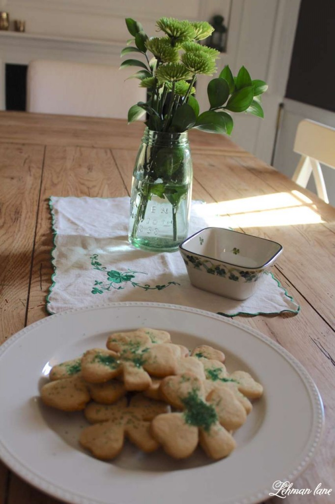 I am sharing my green St. Patrick's day tour with many of my blogging friends! Come check out how I decorated my house accented by shamrocks and green and cookies