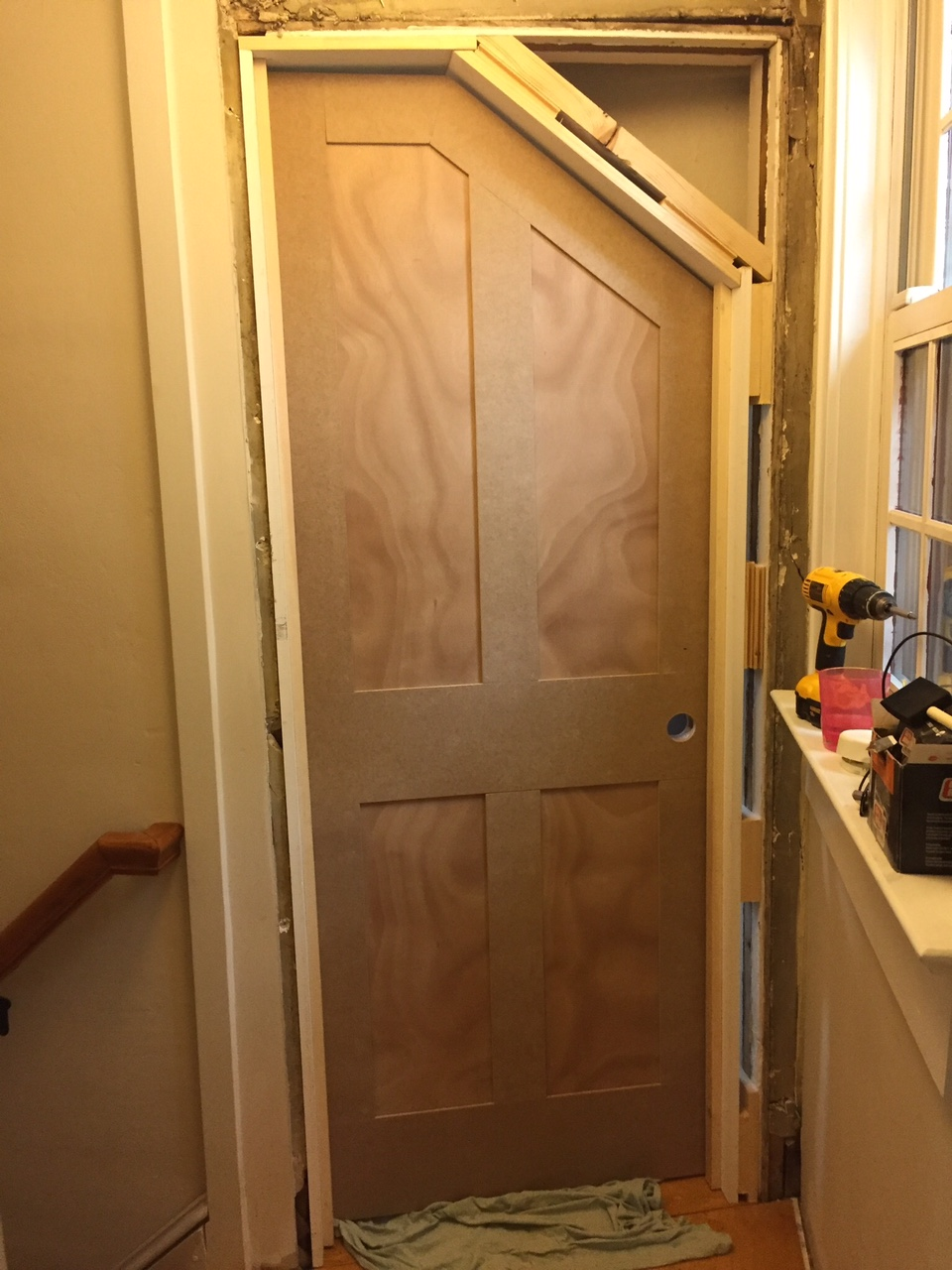 How to build an angled door