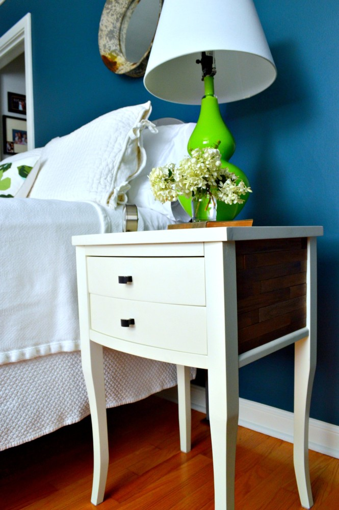apartment-therapy-nightstand-8-665x1000