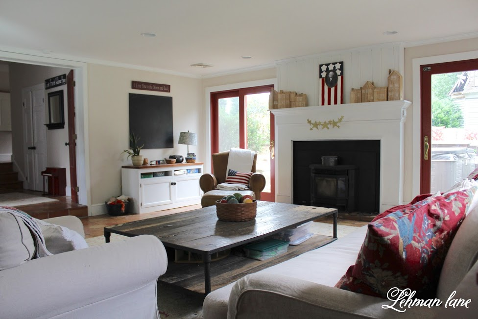 farmhouse summer tour family room