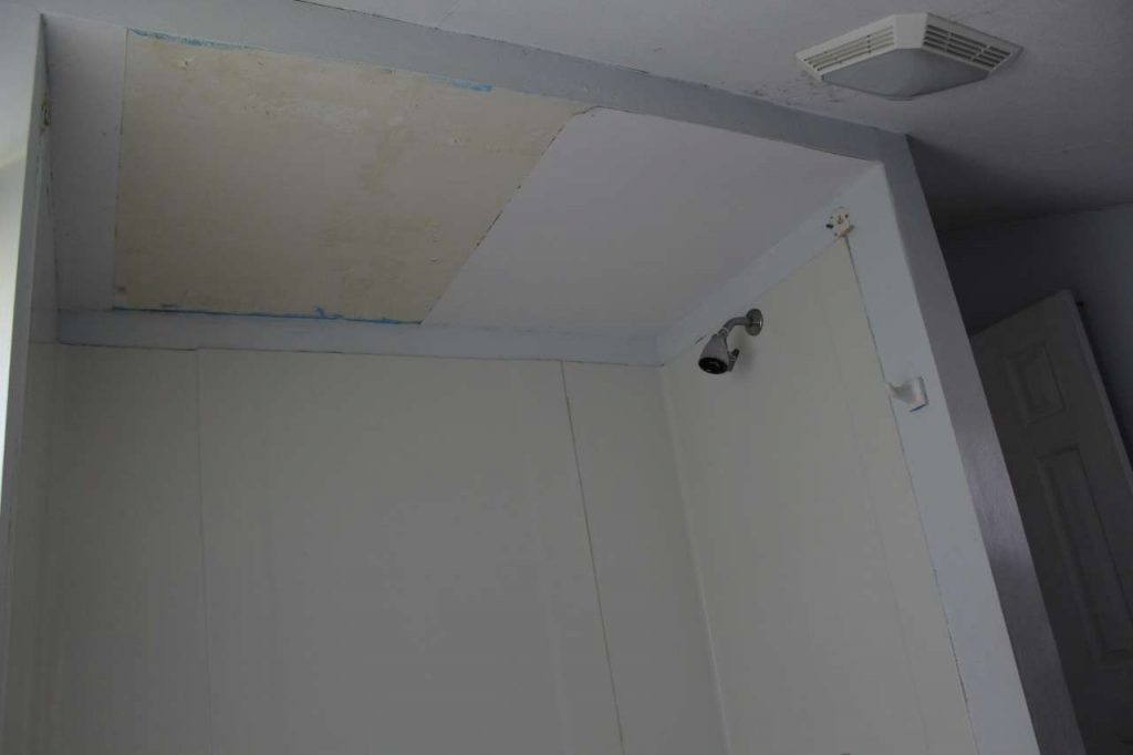 DIY - PVC Bead Boarde Ceiling before