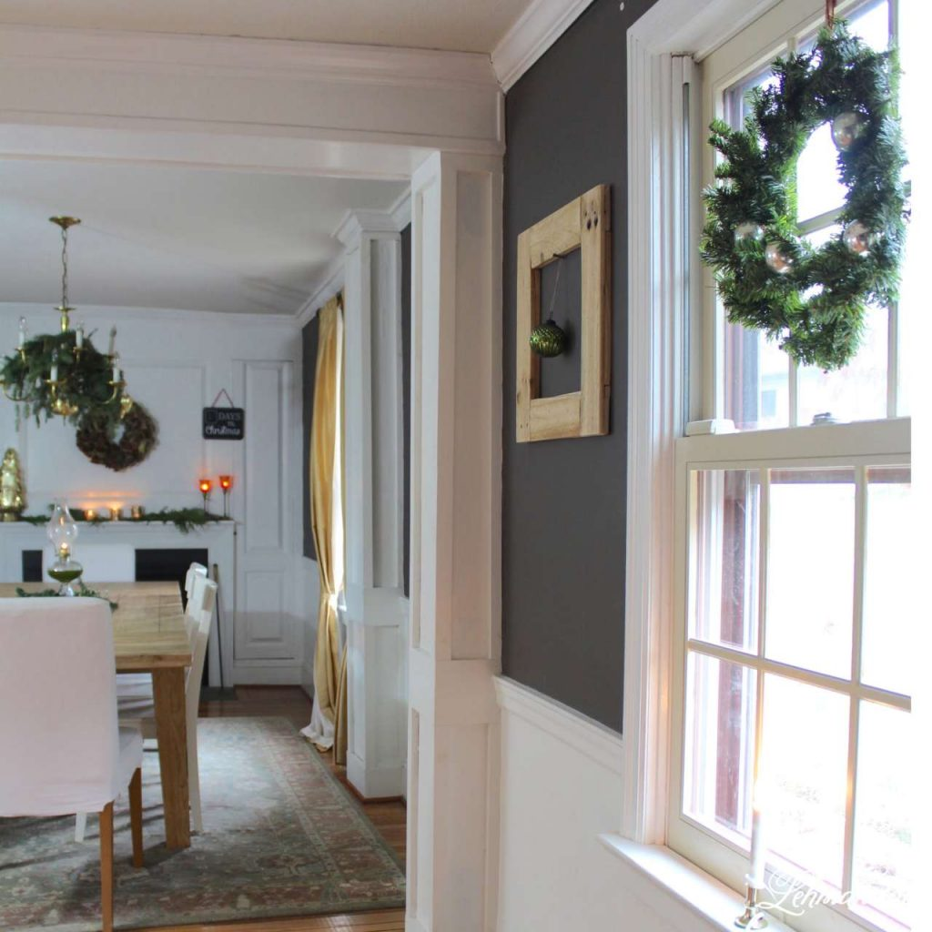 A Very Farmhouse Christmas Home Tour- dining room