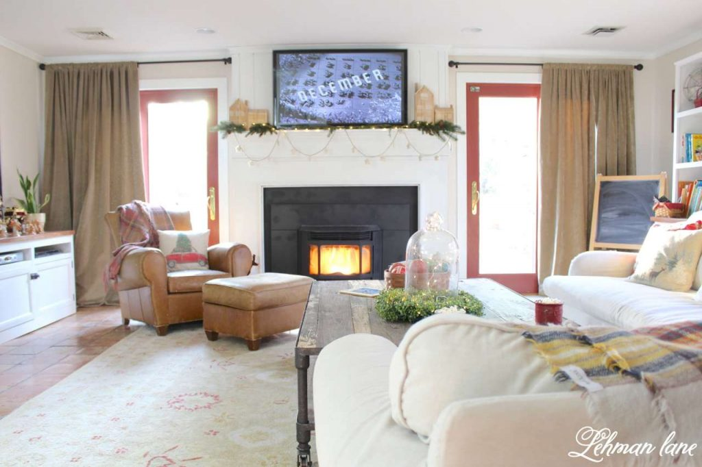 A Very Farmhouse Christmas Home Tour - family room