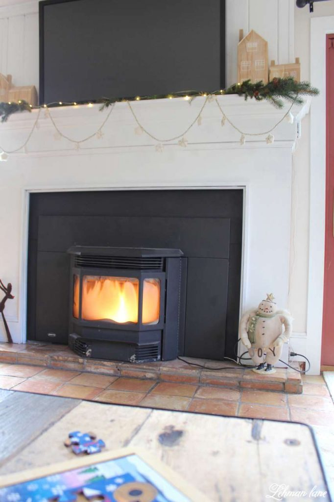 A Very Farmhouse Christmas Home Tour - fireplace family room