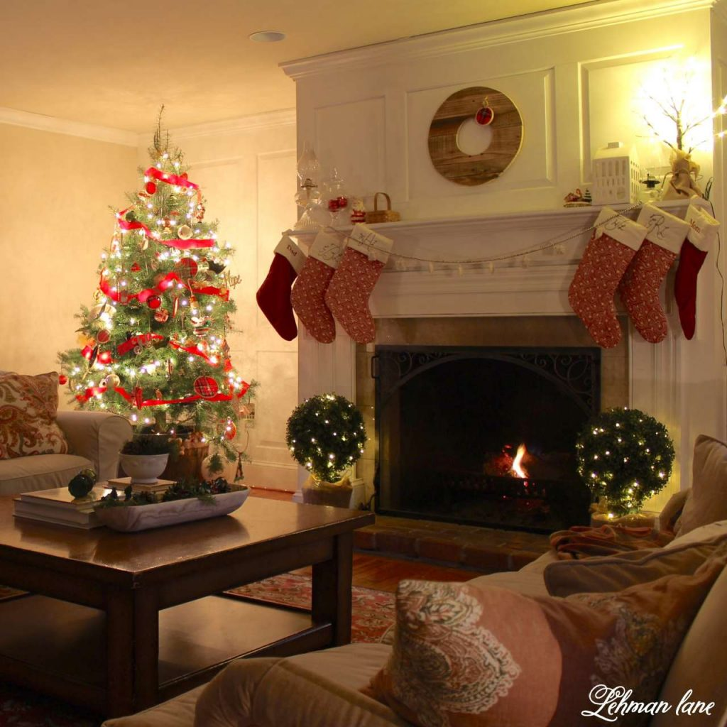 Christmas Living Room - Very Merry Christmas Tour - at night