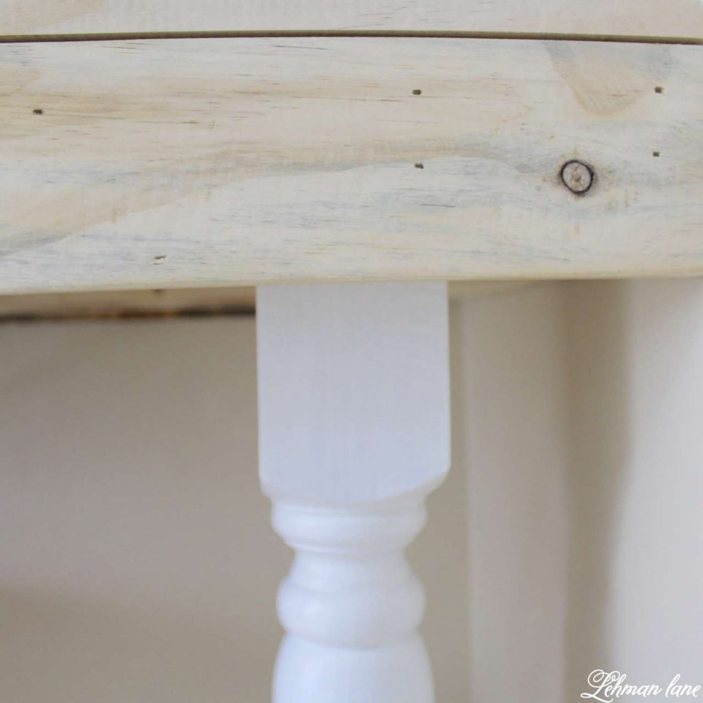 DIY Pallet Desk leg closeup