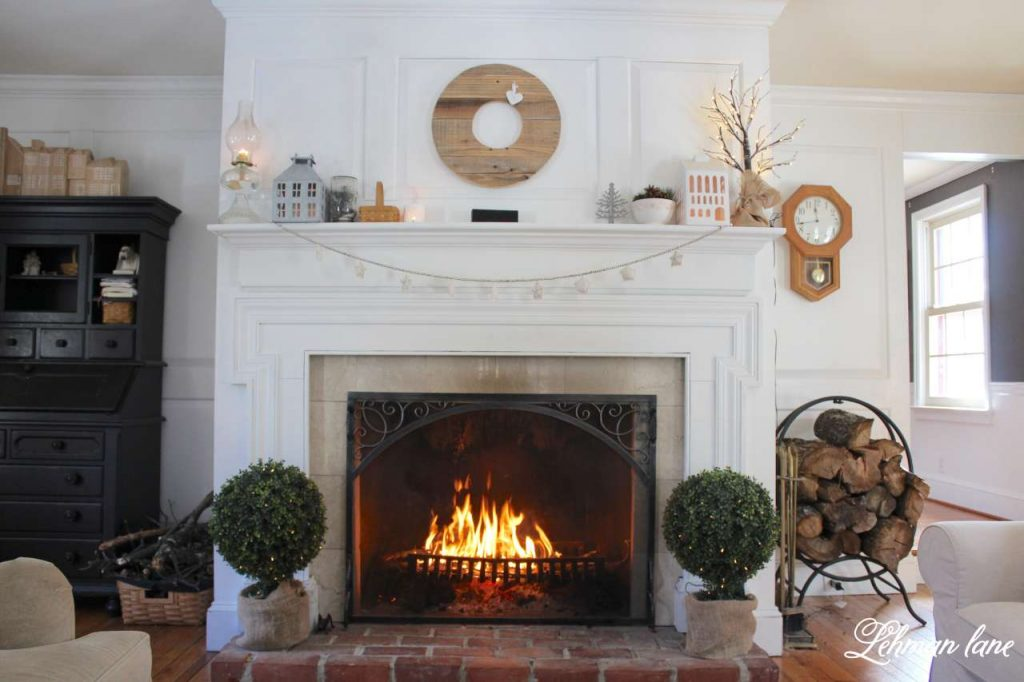 winter mantel decor - fireplace