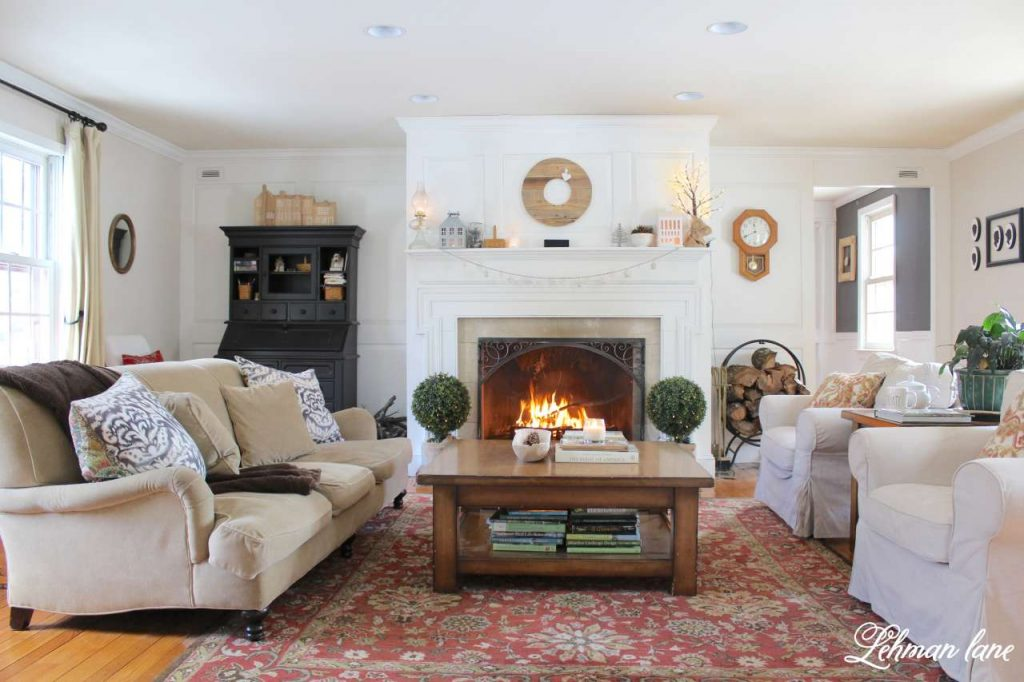 Winter Mantel Decor - living room and fireplace