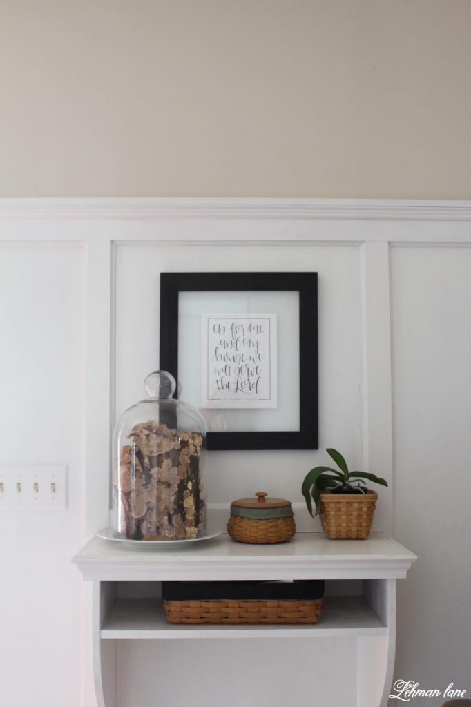 Decorating our entryway with a mushroom log cloche #mushroomlog 3glasscloche http://lehmanlane.net