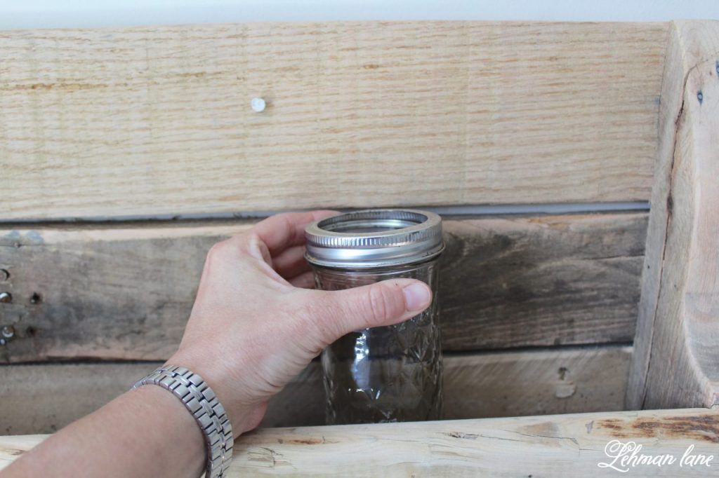 DIY Wood Pallet Shelf for Flowers - pint mason jars