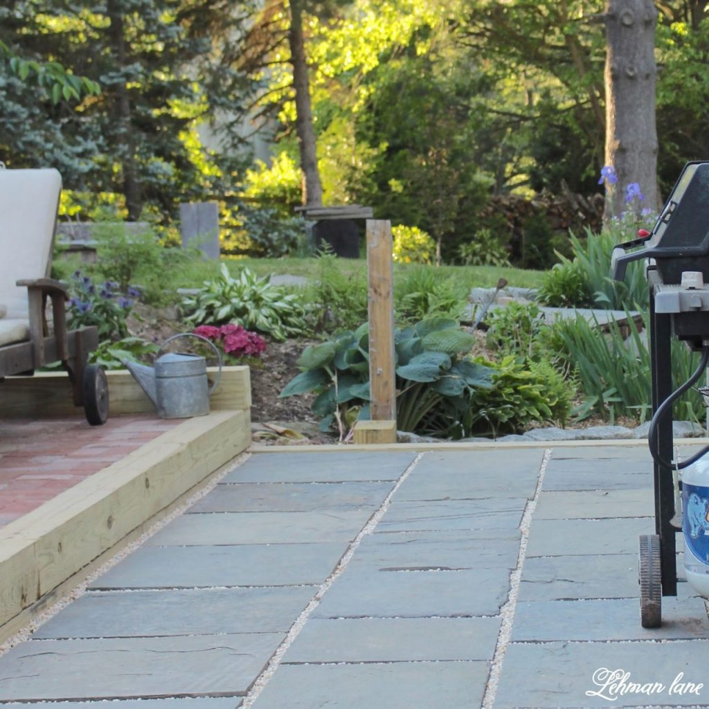 DIY Flagstone Patio / Pennsylvania Bluestone
