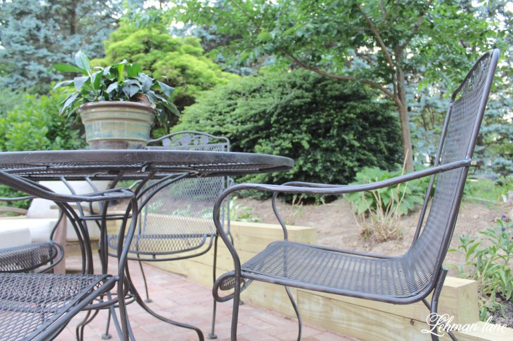 Spray Paint Patio Furniture