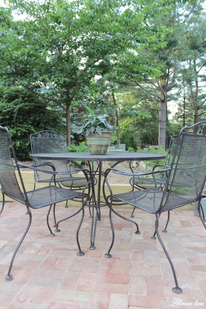 Spray Paint Patio Furniture - Brick Patio