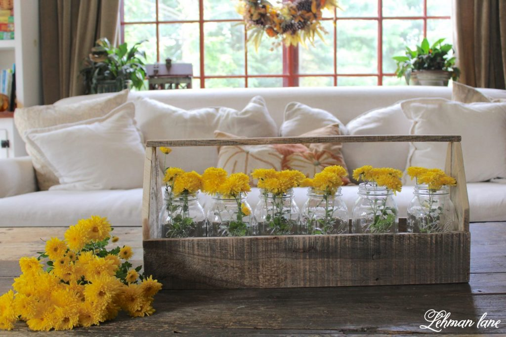 DIY Wooden Tool Box for Fall Decorating made from Pallet Wood - mums in the family room