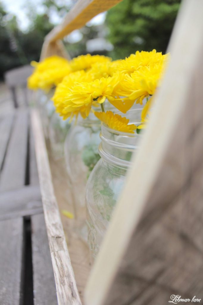 DIY Wooden Tool Box for Fall Decorating made from Pallet Wood - mason jar with mums
