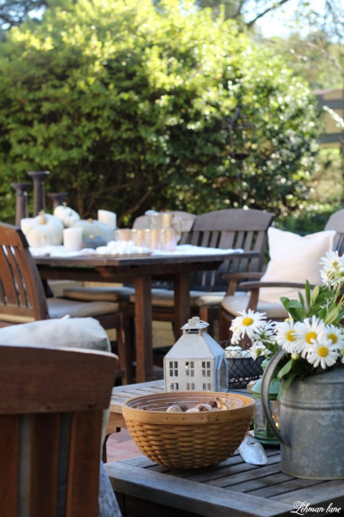 Stop by to see our fall patio and see even more beautiful outdoor spaces from my friends! #fall #falldecor #falloutdoors #fallpatio http://lehmanlane.net