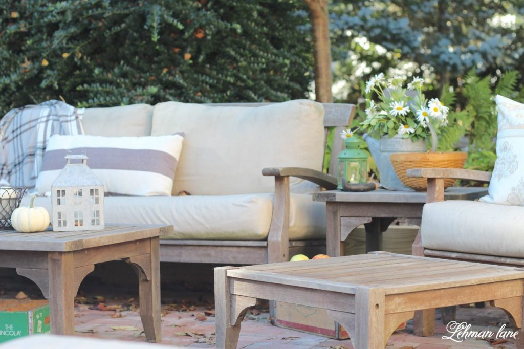 Stop by to see our fall patio and see even more beautiful outdoor spaces from my friends! #fall #falldecor #falloutdoors #fallpatio http://lehmanlane.net - sofa