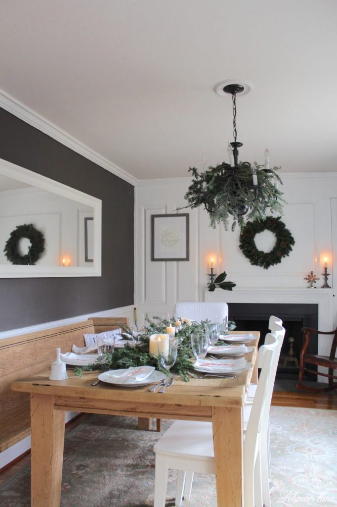 Christmas Tablescape - farmhouse dining room table, #christmastable #farmhousechristmas http://lehmanlane.net