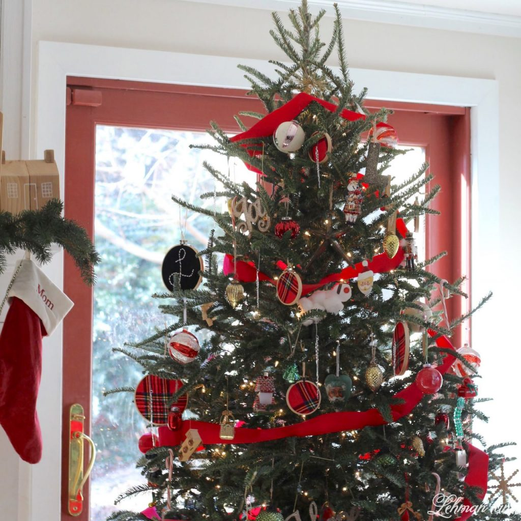 Happy Christmas Eve Eve Eve :).  Before all the Christmas wrapping, teddy bear bread making, and holiday punch drinking was over I wanted to share our family room Christmas tour and talk a little bit about all the Christmas tree craziness at our farmhouse this year. #christmastree