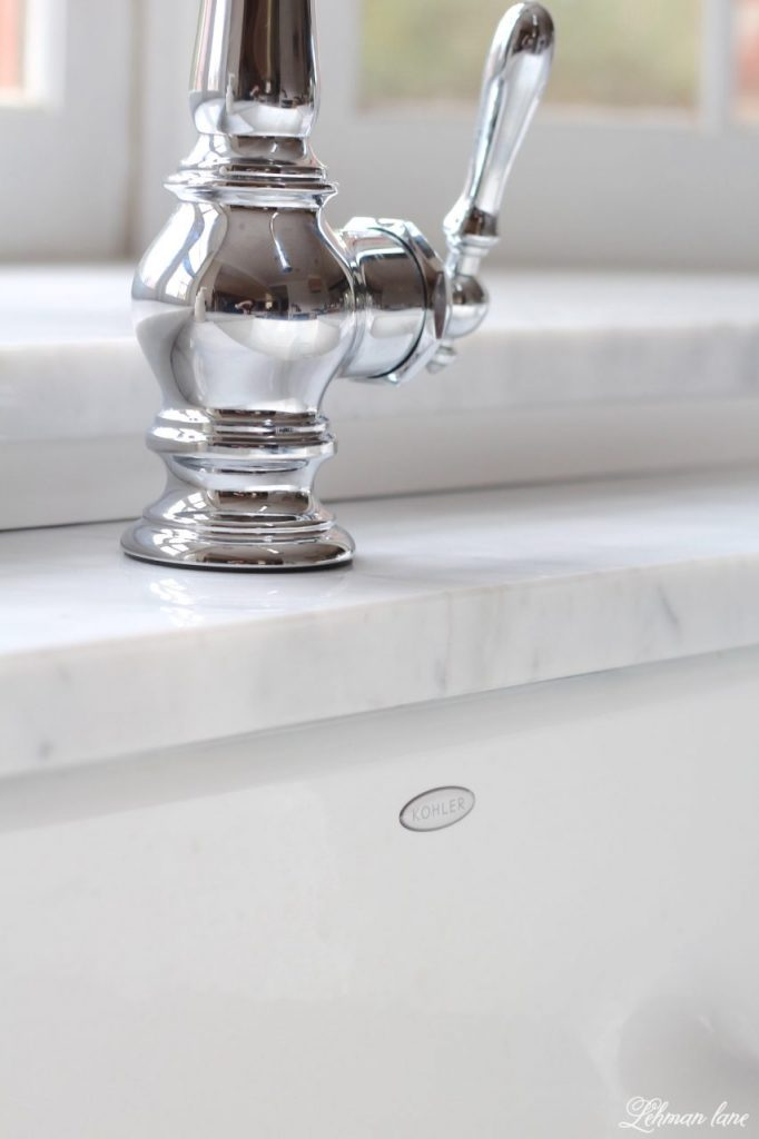 I am sharing our new GORGEOUS farmhouse sink and faucet for our kitchen. Woo Hoo!!! I can not believe what a difference this sink makes to our kitchen remodel. kohler artifacts single hole faucet