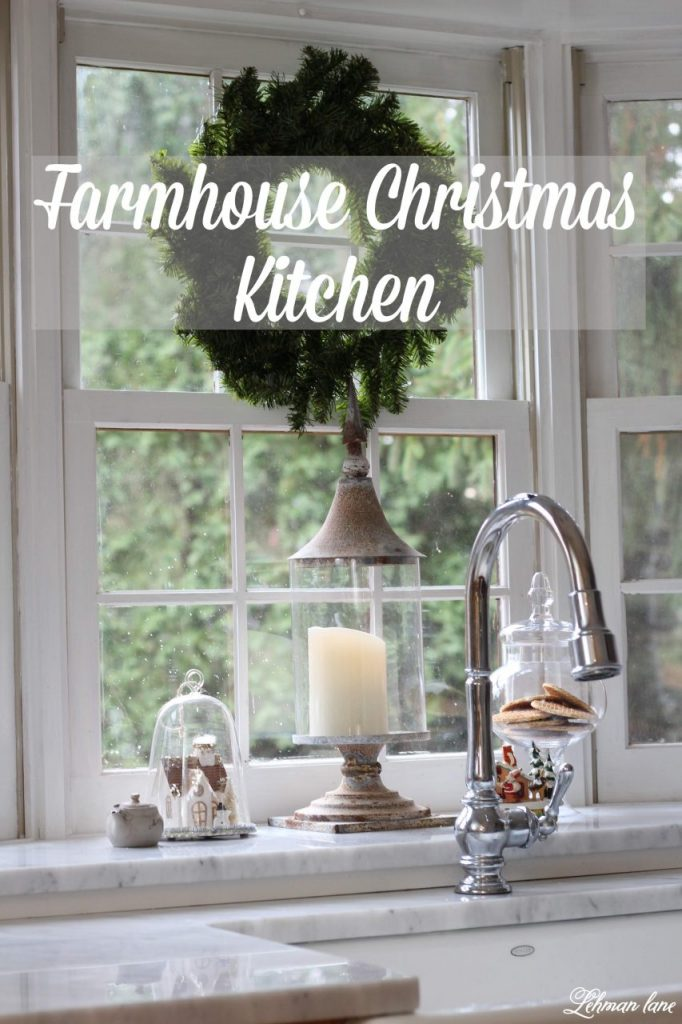 Farmhouse Christmas Kitchen & Dining Room