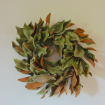 Learn how easy it is to make a magnolia wreath whether you are using dried or fresh leaves #wreath #diy#craft https://lehmanlane.net
