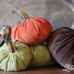 8 tips to beautifully decorate your home for fall / pumpkins / fall home tour