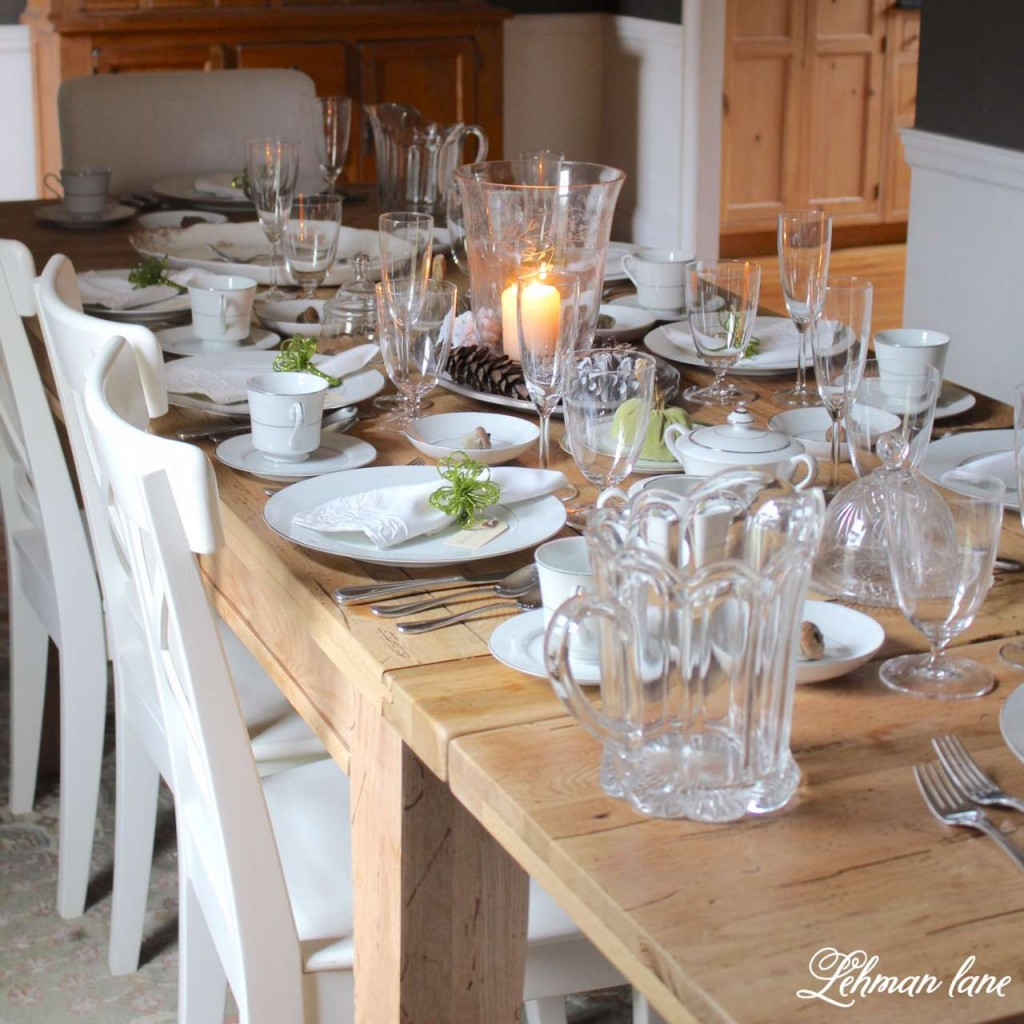 Sharing my simple & beautiful tips for creating the perfect thanksgiving tablescape #thanksgiving #thanksgivingtablescape #fallfarmhouse https://lehmanlane.net