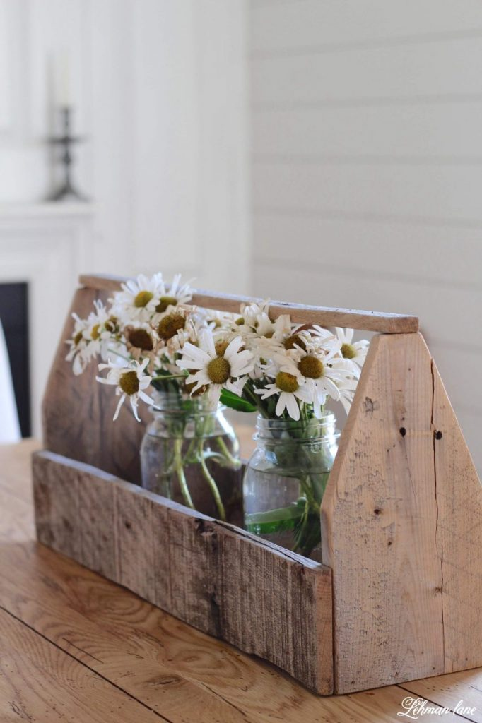 Fall Decorating Ideas from our Farmhouse - sharing a few glimpses of Autumn around our farmhouse as well as my fav fall decorating ideas. Fall decor can be really simple, quick & inexpensive to do, even if you don't get to it till now... you still have time! #falldecor #fallfarmhouse #fall #autumn Http://lehmanlane.net
