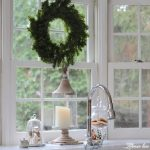 Farmhouse Christmas Kitchen & Dining Room - It seems fitting that I should share our Christmas kitchen & dining room first after all the hustle & bustle in these two rooms last week.. I am sharing my Christmas kitchen with my favorite blogging friends for lots of Christmas inspiration. #christmas #christmaskitchen #farmhousechristmas http://lehmanlane.net