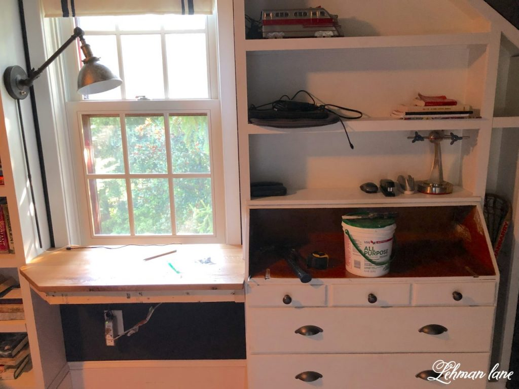 These DIY boys built in farmhouse desks are cheap, simple to make & don't take away from precious floor space.  The best part is that we completed both of them in just a few hours! #builtindesk #diydesk https://lehmanlane.net