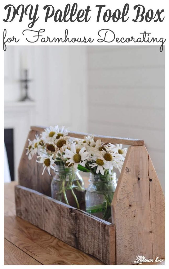 DIY Wooden Tool Box for Fall Decorating - #palletprojects https://lehmanlane.net