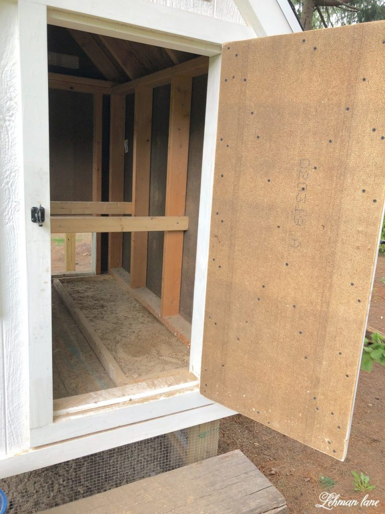DIY - How to build the ultimate chicken coop & run that your chickens & husband will LOVE. It looks super cute in the yard too! #chickencoop #chickens #backyardchickens #chickenrun #diy https://lehmanlane.net